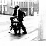 1984-06-08-manifestation-anti-le-pen-voltigeur-avec-sa-matraque-14