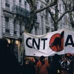 Début 2003, la CNT dans les manifestations : les postiers sont toujours là
